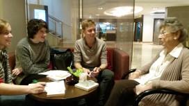 Schüler interviewen Nili